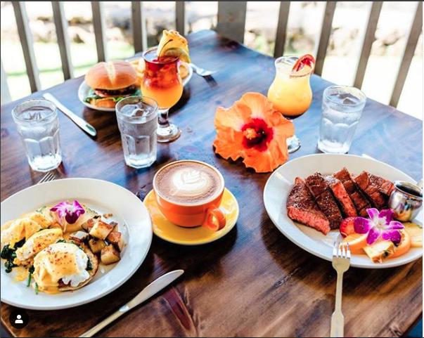 Breakfast, lunch, dinner options at Papa Kona Restaurant