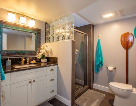 Koa Resort New Bathroom