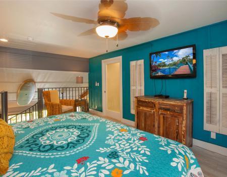 Koa Resort Renovated Bedroom