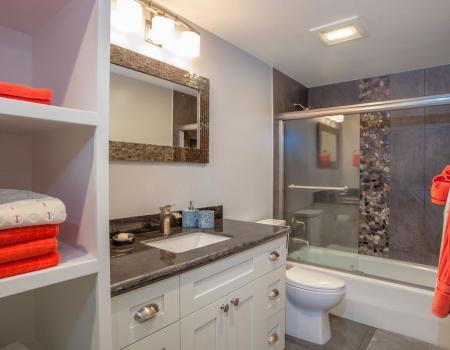Koa Resort Bathroom