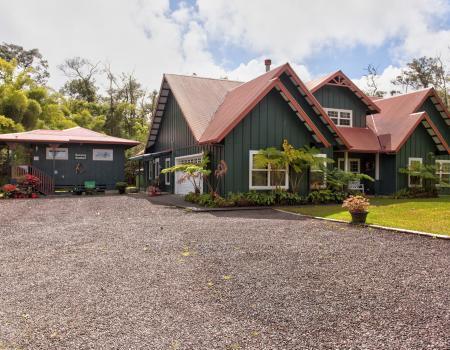 volcano dancing bamboo cottage big island vacation rental