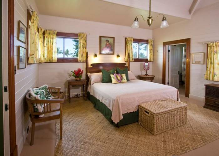 Den Bedroom
