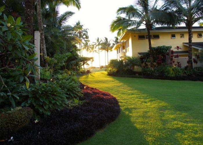 Side of house towards beach