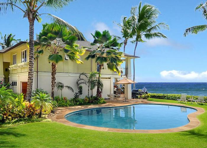 Exterior house with pool and ocean