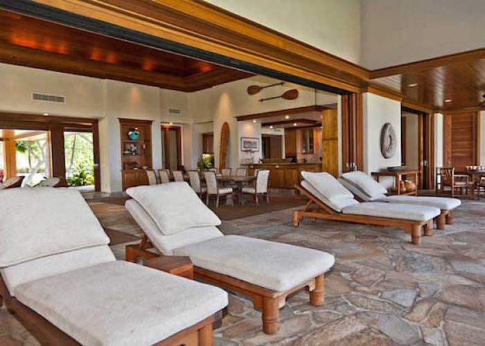 Lanai with chaise lounges