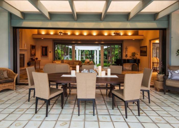 Guesthouse lanai dining