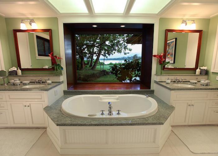 Bathroom the jacuzzi tub