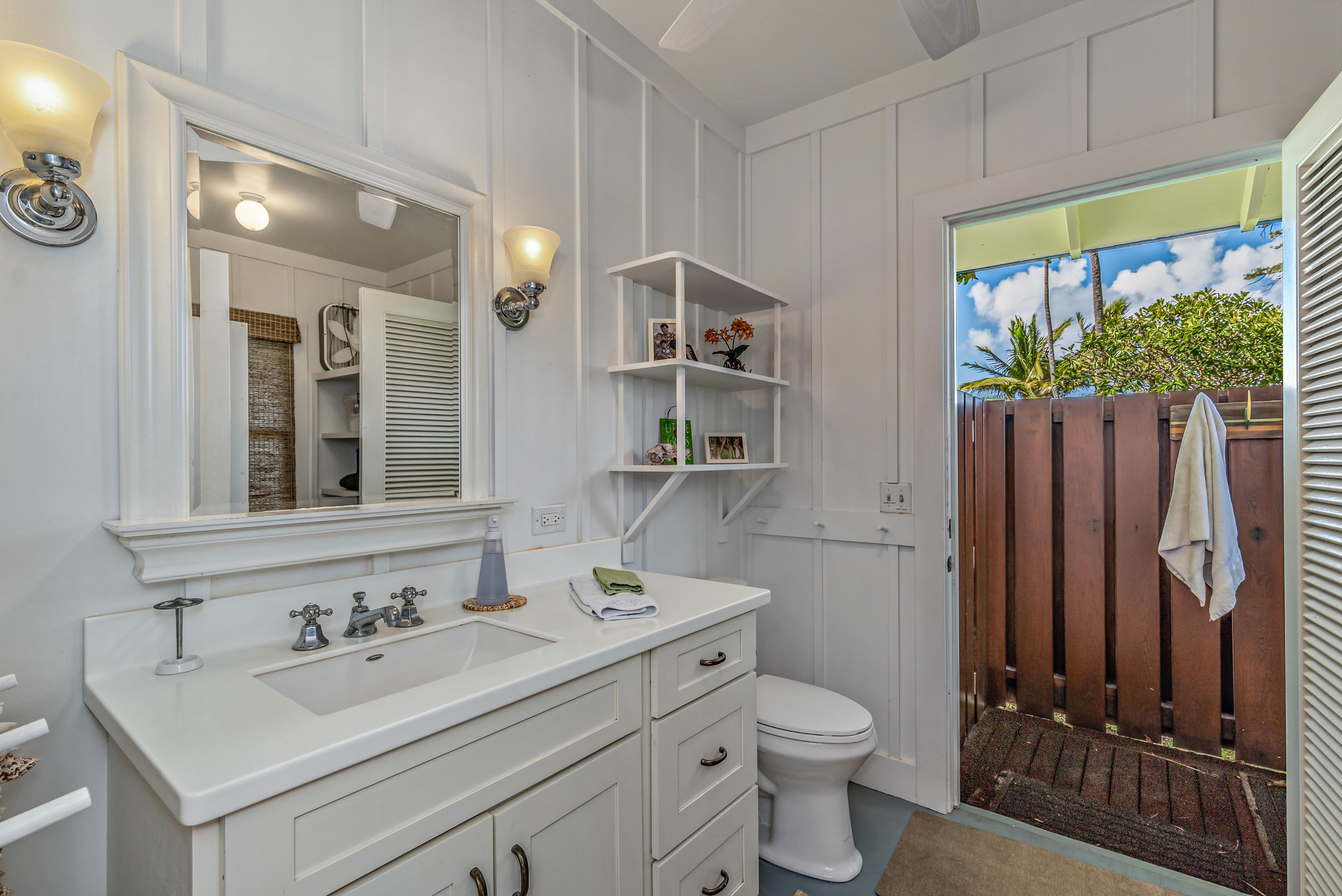 Hawaii Vacation Rental Home, Outdoor shower oahu