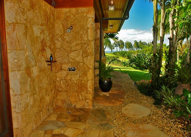 Hale Lani Outdoor Shower