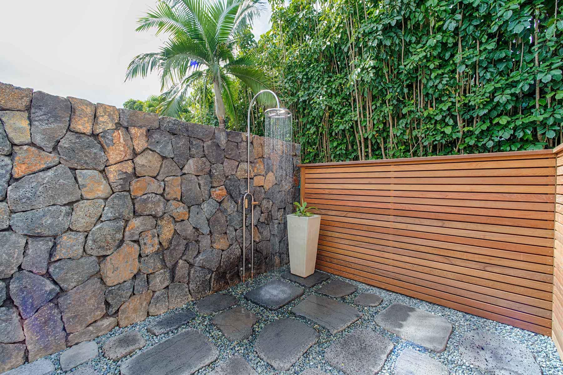 Hanalei Beachfront Outdoor Shower