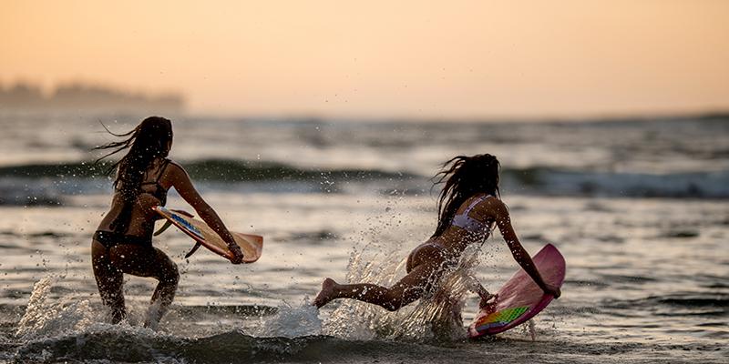 Hanalei Surfing