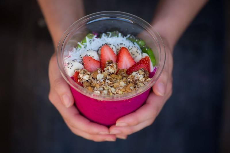Açaí bowl with fresh fruit