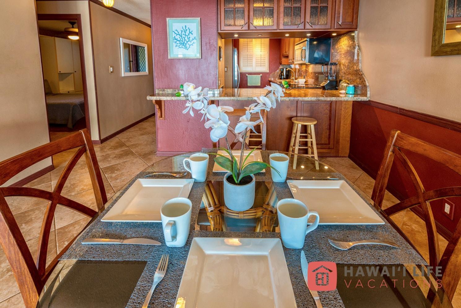 Kanai A Nalu Maui Vacation Rental - Kitchen and Dining Room