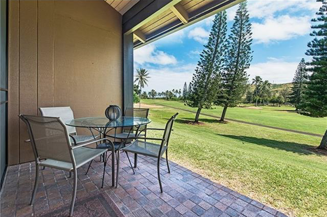 Lanai with table