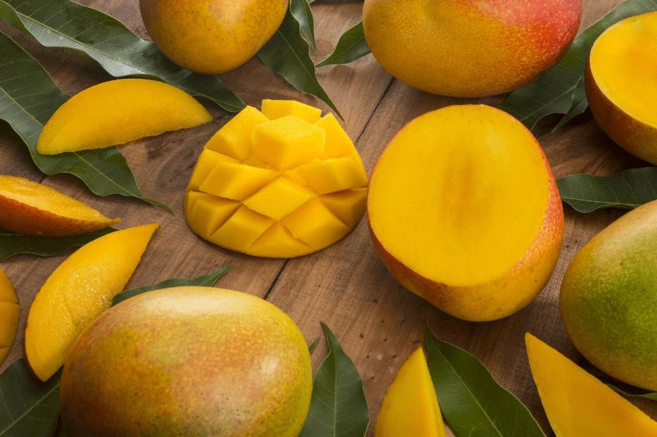 ripe hawaiian mango fruit