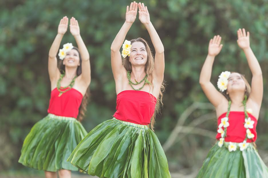 women dance the hula